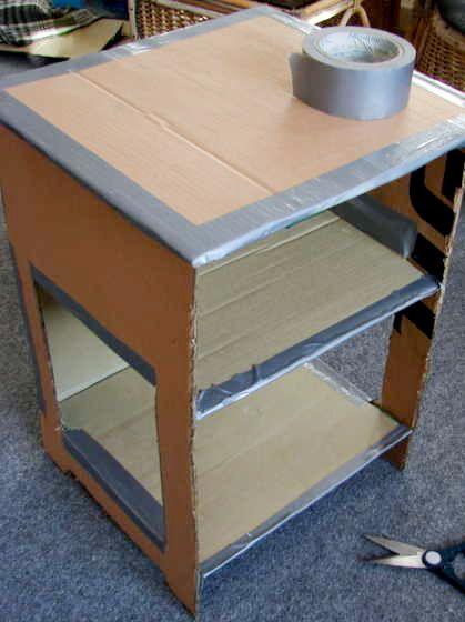 Risparmia e ricicla con i mobili di cartone