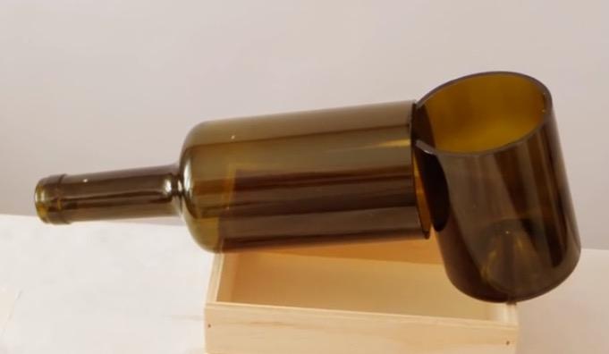 Taglia Bottiglie Di Vetro.Come Tagliare Una Bottiglia Di Vetro Riciclofacile It Idee Per